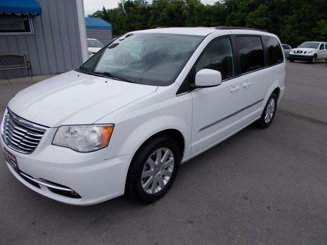 2015 Chrysler Town & Country Touring Shelbyville, TN 6