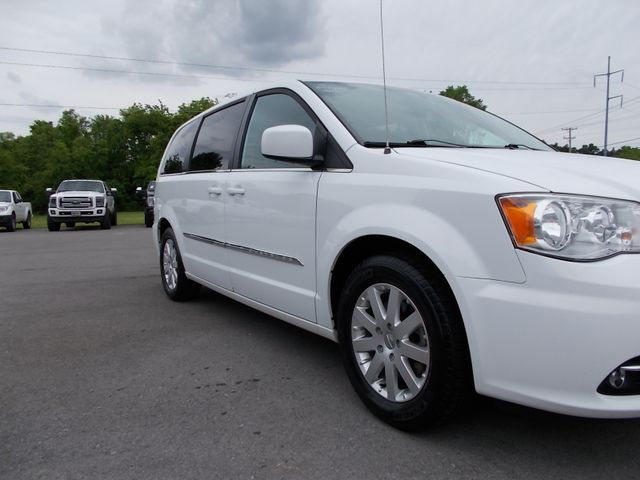 2015 Chrysler Town & Country Touring Shelbyville, TN 8