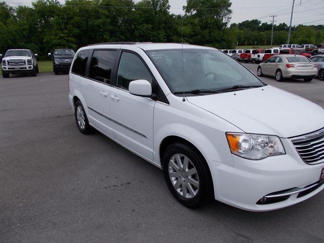 2015 Chrysler Town & Country Touring Shelbyville, TN 9