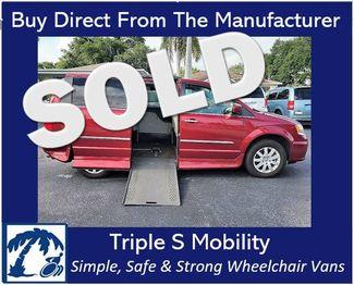 2015 Chrysler Town & Country Touring Wheelchair Van Handicap Ramp Van in Pinellas Park, Florida 33781