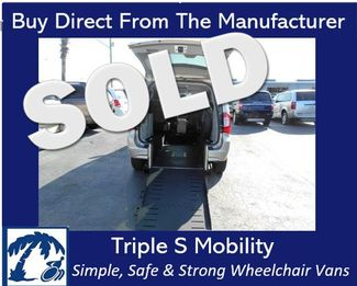 2015 Chrysler Town & Country Touring Wheelchair Van Handicap Ramp Van Pinellas Park, Florida 0