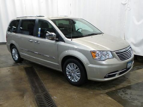 2015 Chrysler Town & Country Limited in Victoria, MN