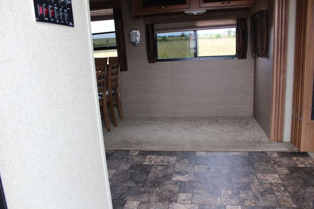 2015 Coachmen Catalina 40FDTS in Roscoe, IL 61073