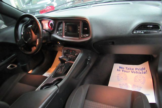 2015 Dodge Challenger SXT Chicago, Illinois 11