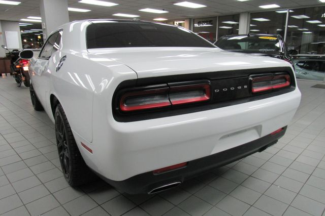 2015 Dodge Challenger SXT Chicago, Illinois 5