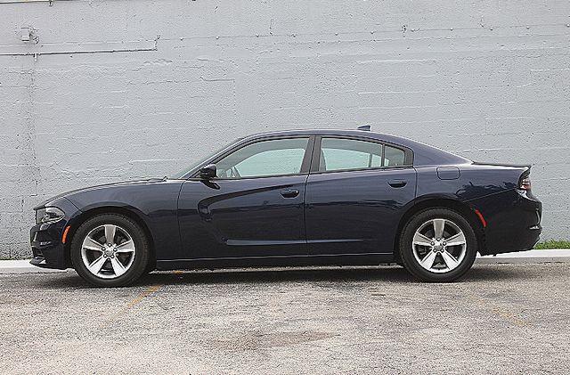 2015 Dodge Charger SXT Hollywood, Florida 9