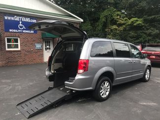 2015 Dodge Grand Caravan SXT handicap wheelchair van Dallas, Georgia 1
