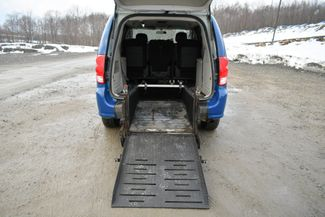 2015 Dodge Grand Caravan Wheelchair Ramp/Handicapped Naugatuck, Connecticut 13