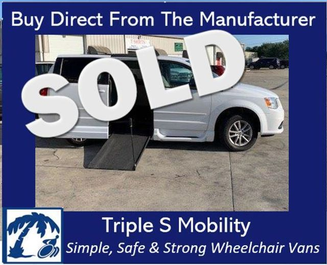 2015 Dodge Grand Caravan Sxt Wheelchair Van Handicap Ramp Van DEPOSIT