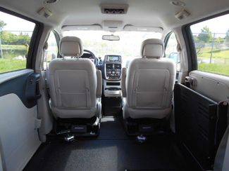 2015 Dodge Grand Caravan Sxt Wheelchair Van - DEPOSIT Pinellas Park, Florida 5