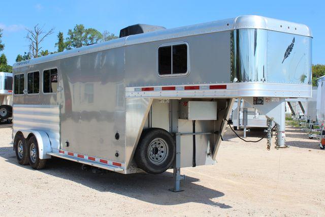 2015 Featherlite 8533 LQ 3H 8' SW Living Quarters CONROE, TX 52