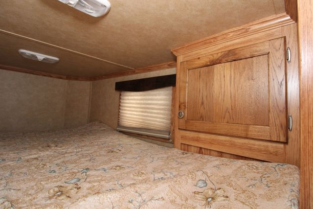 2015 Featherlite 8533 LQ 3H 8' SW Living Quarters CONROE, TX 16