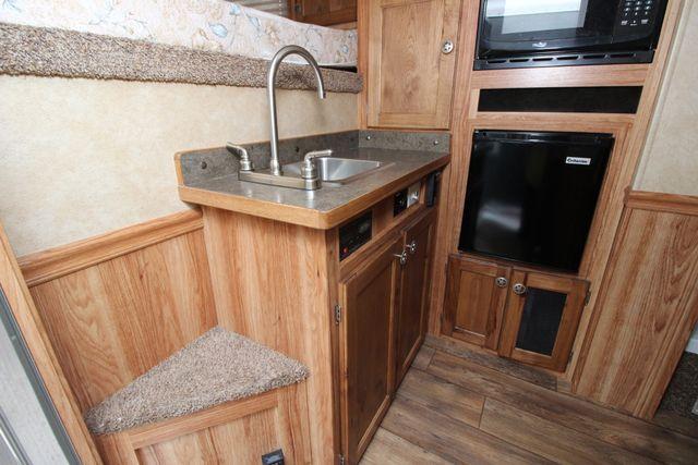2015 Featherlite 8533 LQ 3H 8' SW Living Quarters CONROE, TX 12