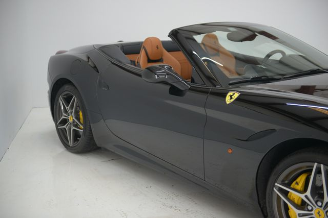 2015 Ferrari California Houston, Texas 7
