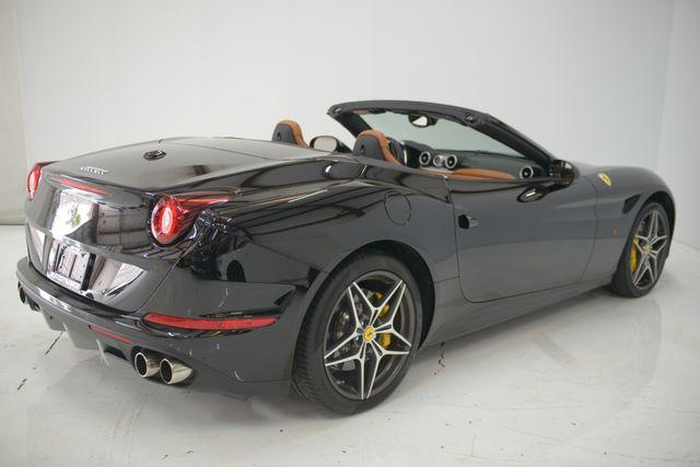 2015 Ferrari California Houston, Texas 11