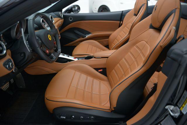 2015 Ferrari California Houston, Texas 16