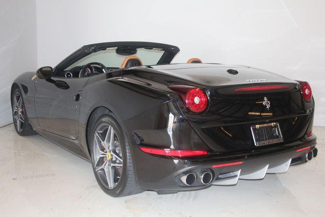 2015 Ferrari California Houston, Texas 25