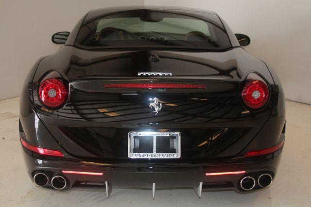 2015 Ferrari California Houston, Texas 32