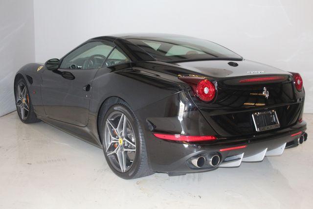 2015 Ferrari California Houston, Texas 36