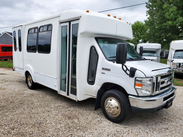 2015 Ford 14 Passenger Bus Wheelchair Accessible Alliance, Ohio 1
