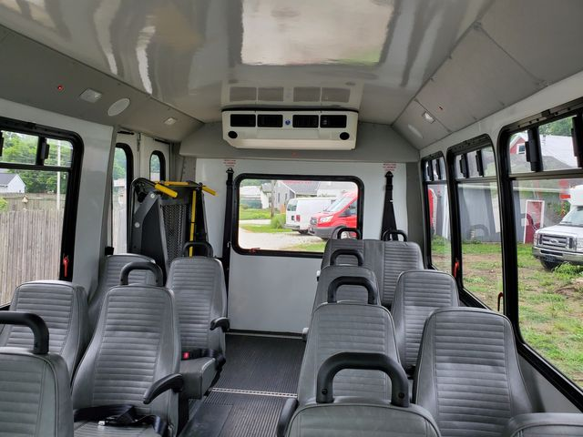 2015 Ford 14 Passenger Bus Wheelchair Accessible Alliance, Ohio 4