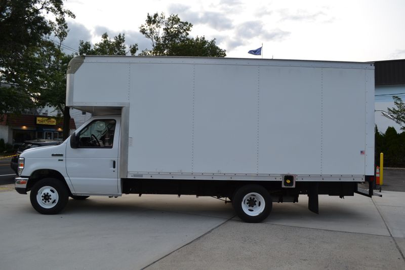 2015 Ford E-Series Cutaway   city New  Father  Son Auto Corp   in Lynbrook, New