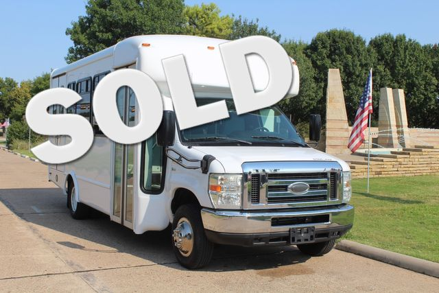2015 Ford E350 15 Passenger Starcraft Shuttle Bus W/ Wheelchair Lift