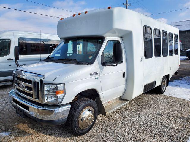 2015 Ford E350 Wheelchair Bus 14 Passenger plus driver