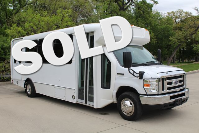 2015 Ford E450 19 Passenger Champion Shuttle Bus W/ Lift Irving, Texas