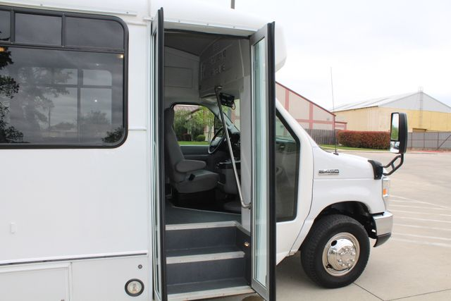 2015 Ford E450 19 Passenger Champion Shuttle Bus W/ Lift Irving, Texas 12