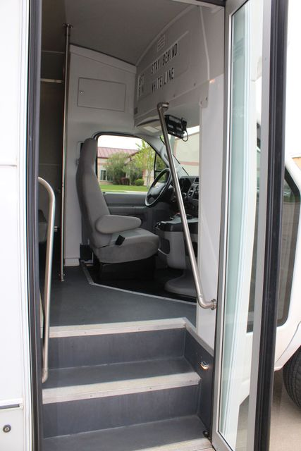 2015 Ford E450 19 Passenger Champion Shuttle Bus W/ Lift Irving, Texas 13