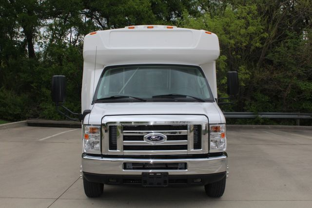 2015 Ford E450 19 Passenger Champion Shuttle Bus W/ Lift Irving, Texas 2