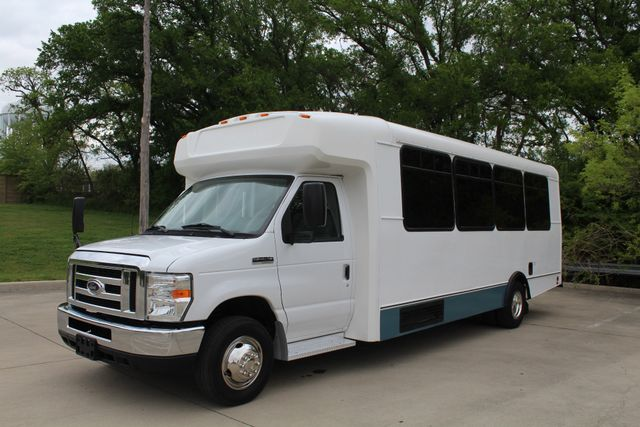 2015 Ford E450 19 Passenger Champion Shuttle Bus W/ Lift Irving, Texas 4