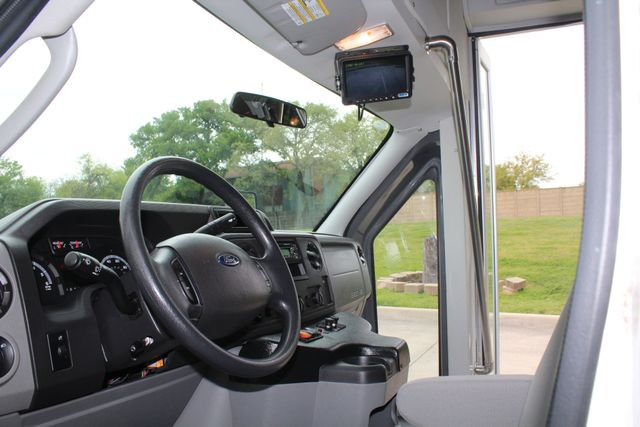 2015 Ford E450 19 Passenger Champion Shuttle Bus W/ Lift Irving, Texas 43