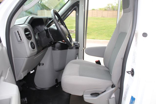 2015 Ford E450 19 Passenger Champion Shuttle Bus W/ Lift Irving, Texas 45