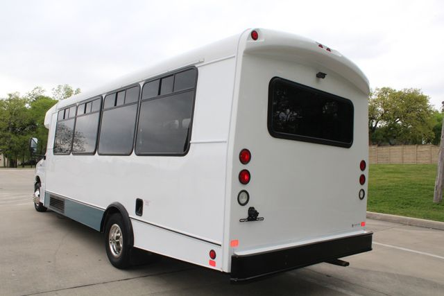2015 Ford E450 19 Passenger Champion Shuttle Bus W/ Lift Irving, Texas 6