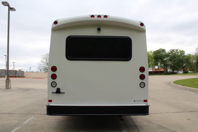 2015 Ford E450 19 Passenger Champion Shuttle Bus W/ Lift Irving, Texas 7
