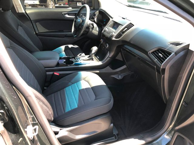 2015 Ford Edge SE V6 in Gower Missouri, 64454
