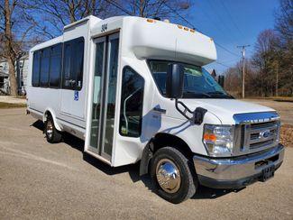 2015 Ford Eldorado National Coach 14 Passenger Bus Wheelchair Accessible in Alliance, Ohio 44601