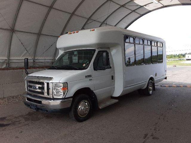 2015 Ford Eldorado National Coach 14 Passenger Bus Wheelchair Accessible