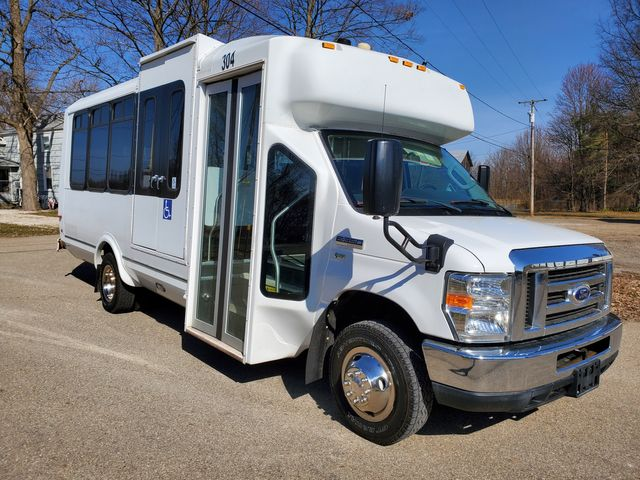 2015 Ford Eldorado National Coach 14 Passenger Bus Wheelchair Accessible