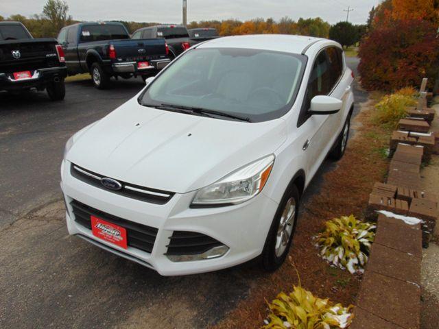 2015 Ford Escape SE Alexandria, Minnesota 3