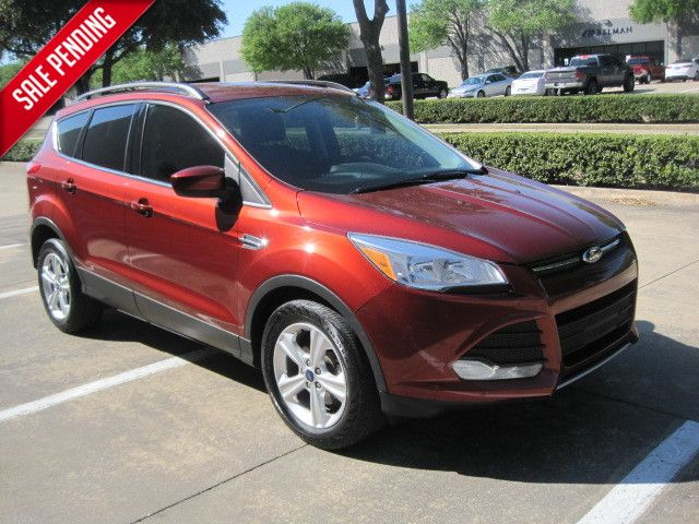 2015 Ford Escape SE, Leather, Htd/Seats, Rear Camera, Sync, Ecoboost, 1 Owner