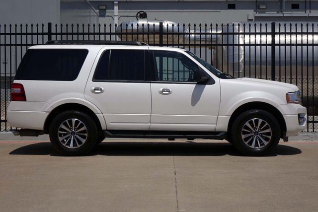2015 Ford Expedition 1-OWNER * Sunroof * NAVI * A/C Seats * BLIND SPOT Plano, Texas 2