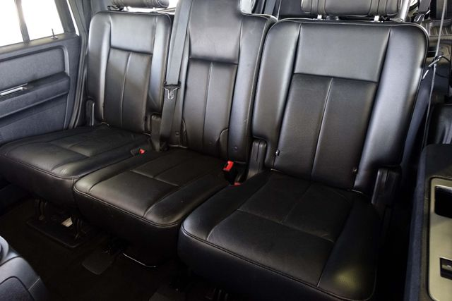 2015 Ford Expedition 1-OWNER * Sunroof * NAVI * A/C Seats * BLIND SPOT Plano, Texas 15