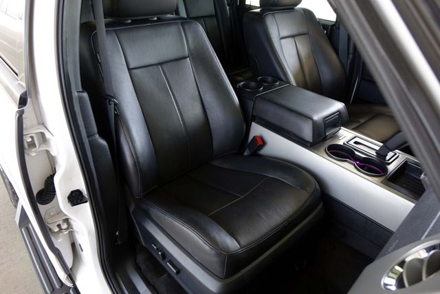 2015 Ford Expedition 1-OWNER * Sunroof * NAVI * A/C Seats * BLIND SPOT Plano, Texas 13