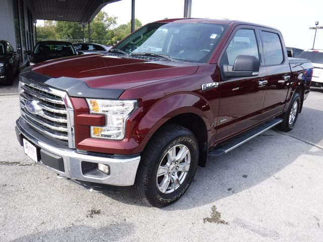 2015 Ford F-150 XLT 4X4 in Gower Missouri, 64454
