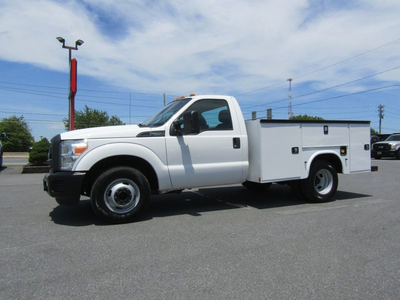 2015 Ford F350 Regular Cab 9' Utility Dually 2wd in Ephrata PA