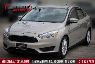 2015 Ford Focus SE 5-Speed Manual Back Up Camera in Addison, TX 75001