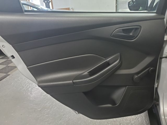 2015 Ford Focus S Kensington, Maryland 24
